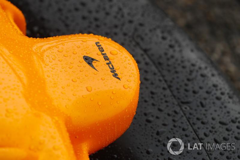 Носовой обтекатель McLaren MCL33