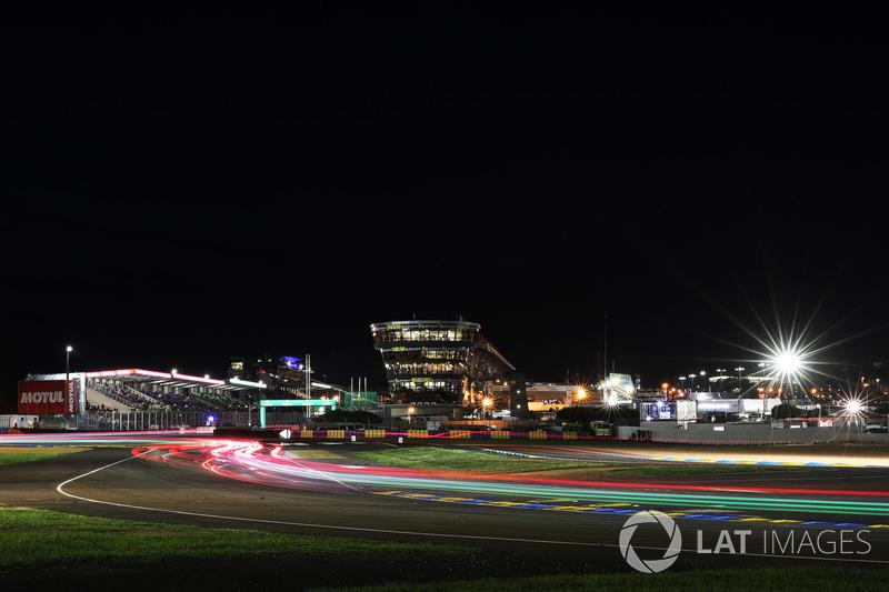 Le Mans de noche