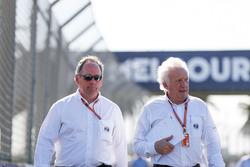 Circuitwandeling met wedstrijddirecteur FIA Charlie Whiting
