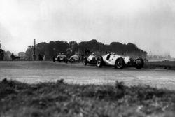 Hermann Lang, Mercedes-Benz W125; Rudolf Caracciola, Mercedes-Benz W125; Dick Seaman, Mercedes-Benz