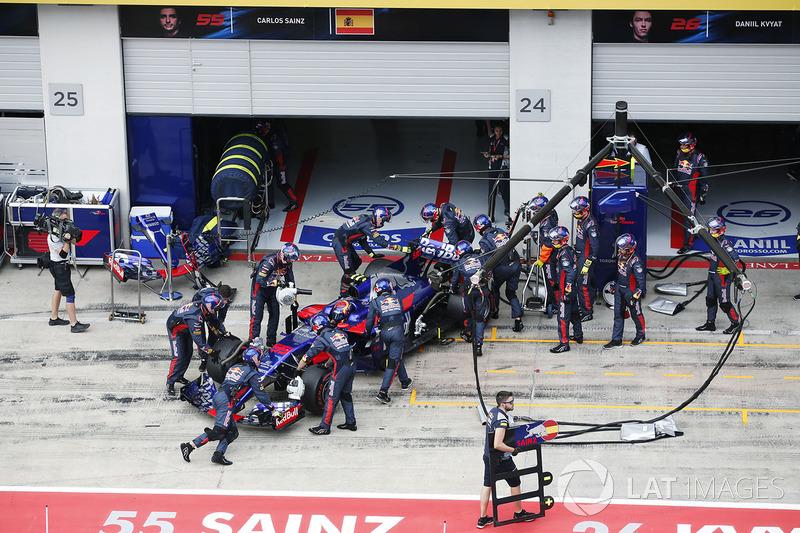 Ausfall: Carlos Sainz Jr., Scuderia Scuderia Toro Rosso STR12