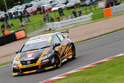 Gordon Shedden, Team Dynamics, Honda Civic Type R