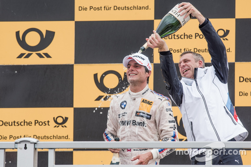 Podio: Bruno Spengler, BMW Team RBM, BMW M4 DTMand Bart Mampaey, director del BMW Team RBM
