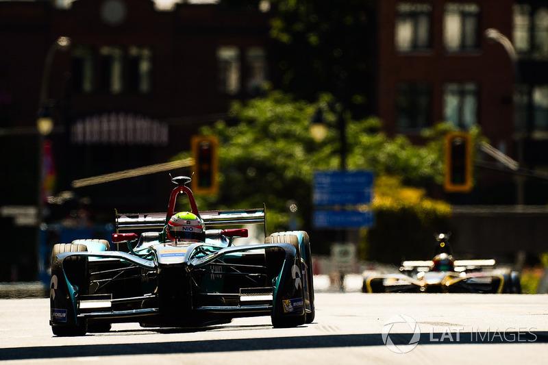 Oliver Turvey, NEXTEV TCR Formula E Team, y Jean-Eric Vergne, Techeetah