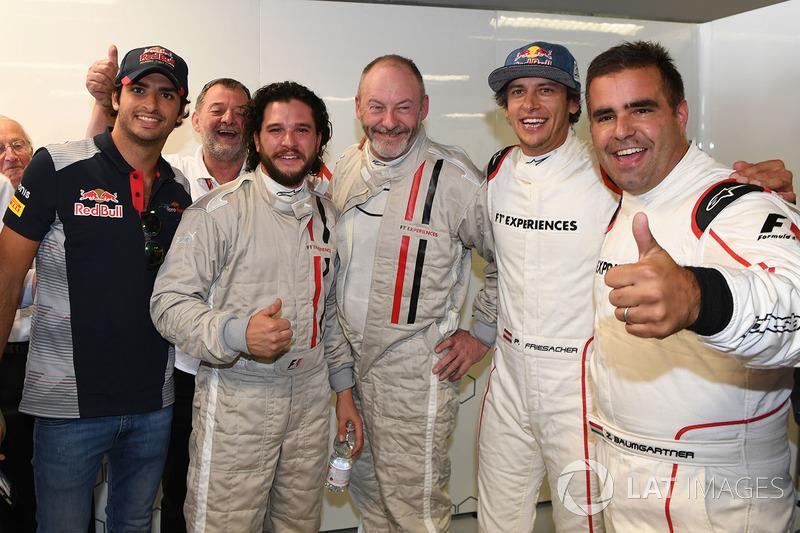 Carlos Sainz Jr., Scuderia Toro Rosso, F1 Experiences 2-Seater passenger Kit Harington, Actor, Keith Bruce and Zsolt Baumgartner, F1 Experiences 2-Seater driver