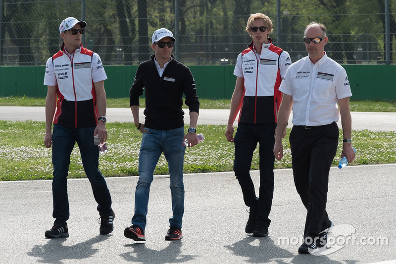 Trackwalk: Timo Bernhard, Earl Bamber, Brendon Hartley, Porsche Team