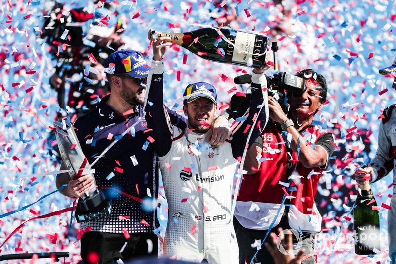 Sam Bird, Envision Virgin Racing, festeggia con Leon Price, Sporting manager, Envision Virgin Racing