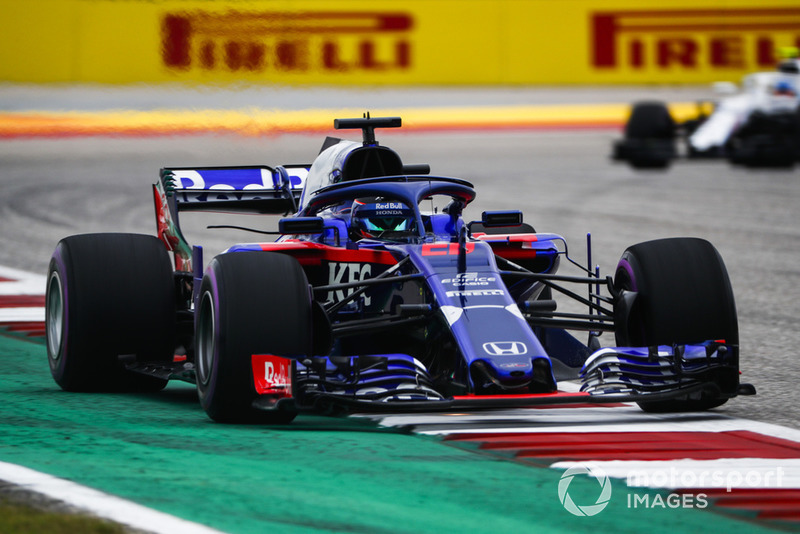 20º Brendon Hartley, Toro Rosso STR13 (sanción por cambios en el motor)