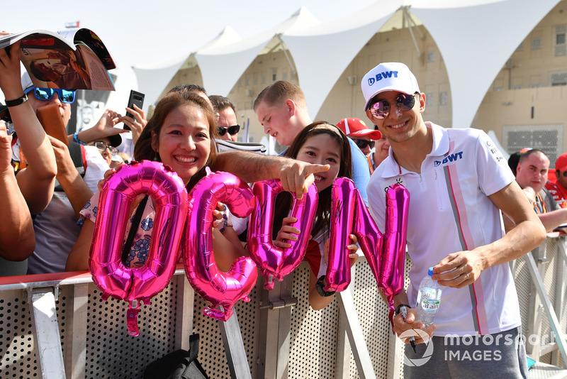Más amargo es el adiós de Esteban Ocon, al que el dinero de Stroll ha dejado sin hueco en Racing Point Force India. Será tercer piloto de Mercedes en 2019 y estará bien colocado para 2020 si no renuevan a Bottas, pero no será titular el próximo curso. Acabó abandonando.