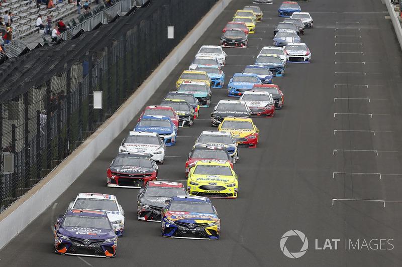 Denny Hamlin, Joe Gibbs Racing, Toyota Camry FedEx Possibilities Kyle Busch, Joe Gibbs Racing, Toyota Camry M&M's Caramel
