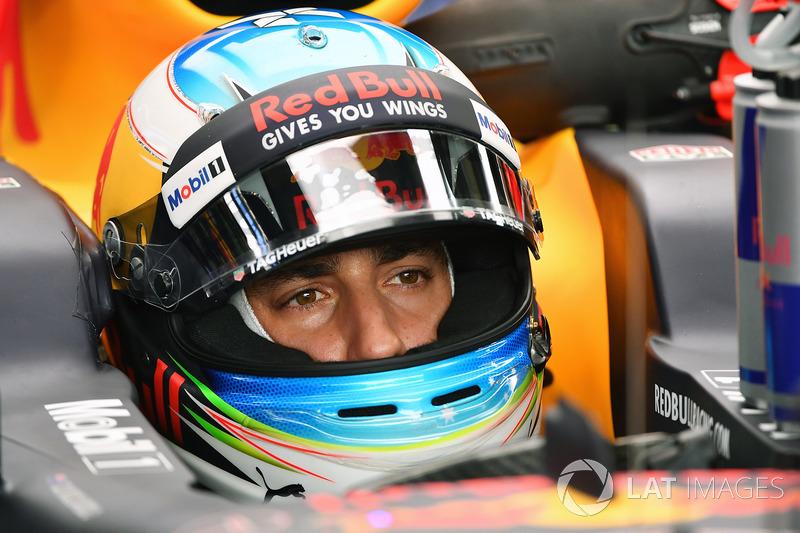 Daniel Ricciardo ficou em quinto, mas recebeu punição e larga em 14º