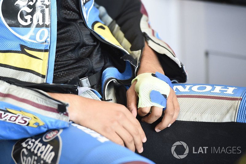 Franco Morbidelli, Estrella Galicia 0,0 Marc VDS hand injury