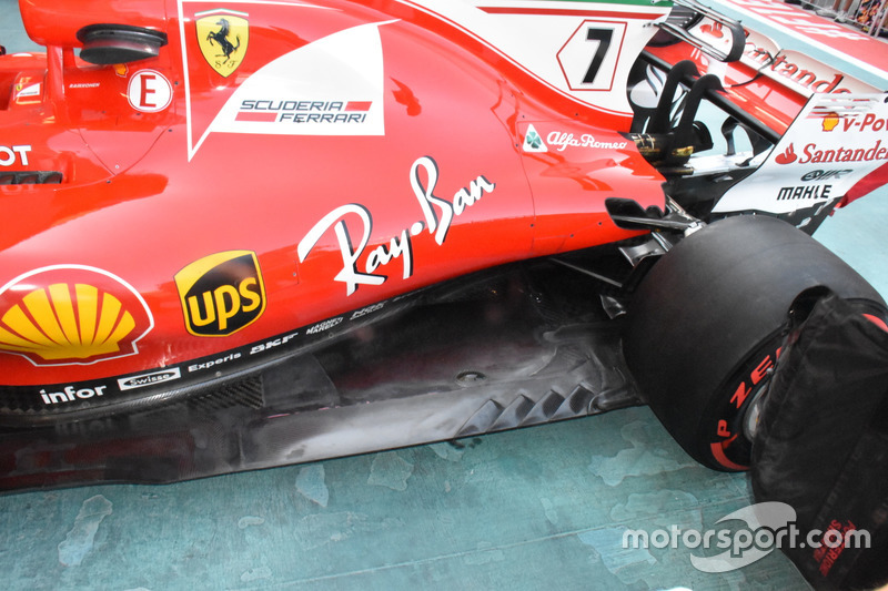 Ferrari SF70H, side