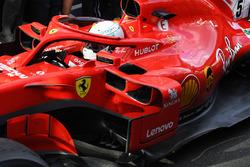 Il vincitore della gara Sebastian Vettel, Ferrari SF71H nel parco chiuso