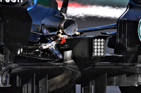 تفاصيل القسم الخلفي لسيارة مرسيدس