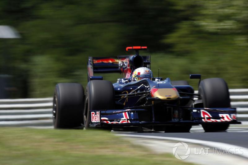 27. El Toro Rosso STR04 de F1
