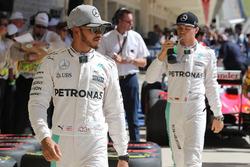 Pole position para Lewis Hamilton, Mercedes AMG F1, segundo de Nico Rosberg, Mercedes AMG F1