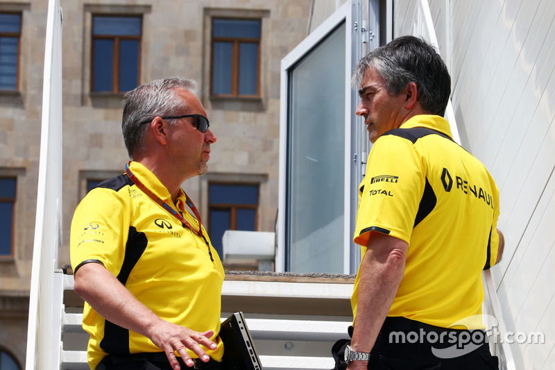 Paul Seaby, Renault Sport F1 Team, manager del equipo con Nick Chester, Renault Sport F1 Team Director técnico de chasis