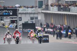 Валентино Россі, Yamaha Factory Racing та Андреа Довіціозо, Ducati Team