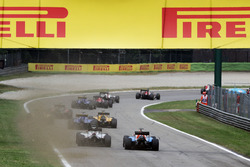 Естебан Окон, Manor Racing MRT05, Естебан Гутьєррес, Haas F1 Team VF-16 на старті гонки