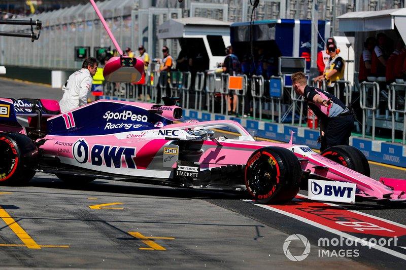 Sergio Perez, Racing Point RP19, dans la voie des stands