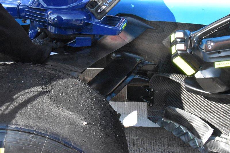 Передняя подвеска Williams FW42
