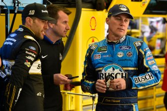 Aric Almirola, Stewart-Haas Racing, Ford Mustang Smithfield, Rodney Childers and Kevin Harvick, Stewart-Haas Racing, Ford Mustang Busch Beer