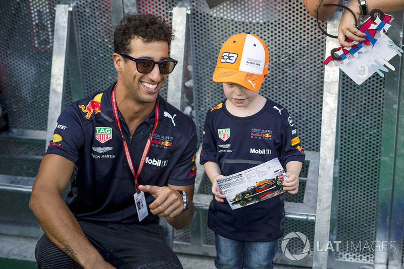 Daniel Ricciardo, Red Bull Racing and young fan