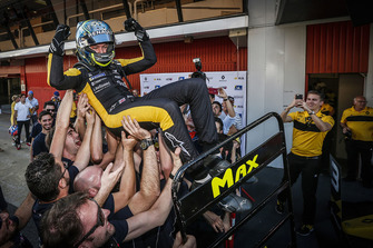 2018 champion Max Fewtrell, R-Ace GP