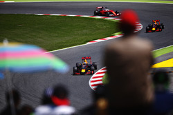Daniel Ricciardo, Red Bull Racing voor Max Verstappen, Red Bull Racing en Sebastian Vettel, Scuderia