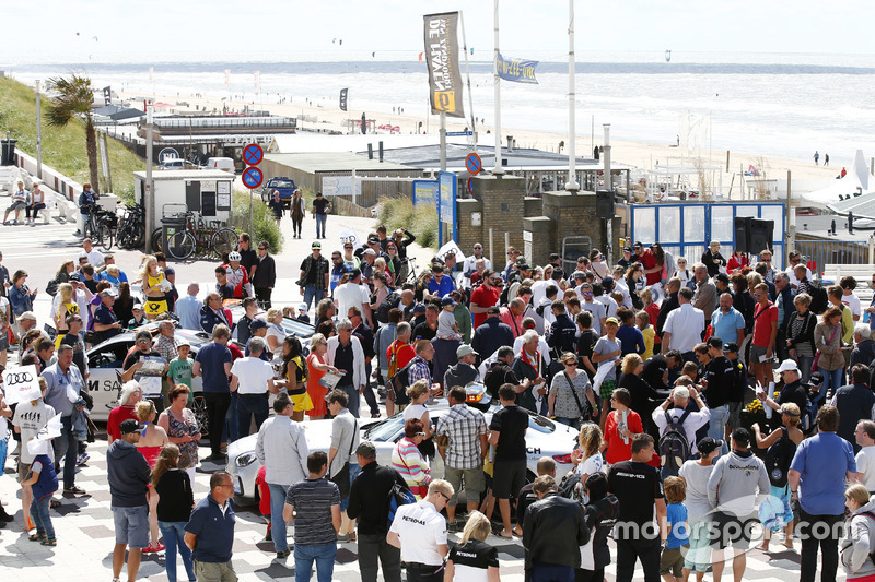 DTM drivers in Zandvoort to promote the race weekend