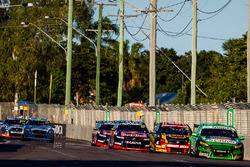 Mark Winterbottom, Prodrive Racing Australia Ford leads