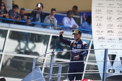 Podium: Luca Ghiotto, RUSSIAN TIME