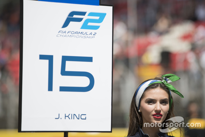 The grid girl of Jordan King, MP Motorsport