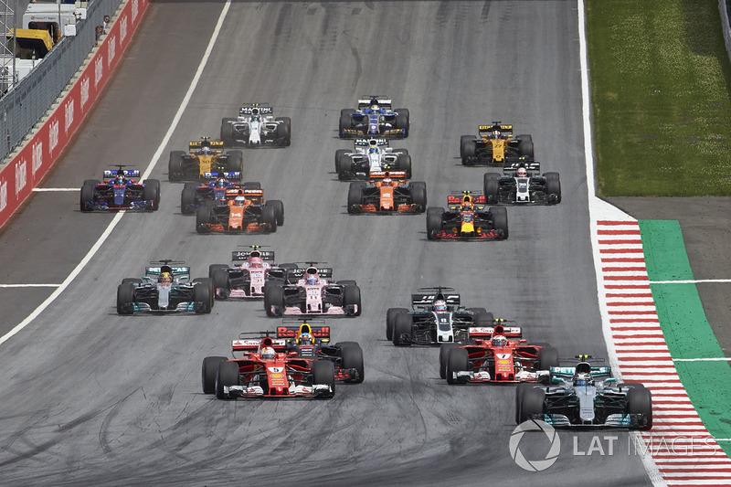 Валттері Боттас, Mercedes AMG F1 W08, Себастьян Феттель, Кімі Райкконен, Ferrari SF70H