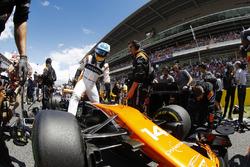 Fernando Alonso, McLaren MCL32, climbs from his car