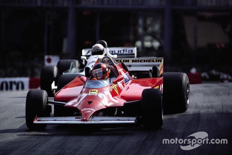 Гонщик Ferrari Жиль Вільньов відбирає лідерство в гонці у пілота Williams Алана Джонса за 4 кола до фінішу