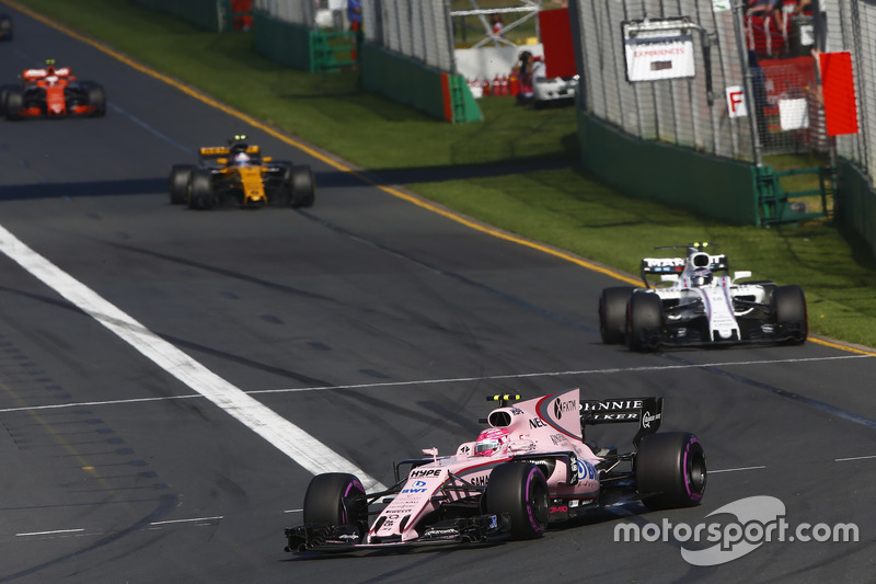 Esteban Ocon, Force India, VJM10; Lance Stroll, Williams, FW40; Jolyon Palmer, Renault Sport F1 Team, RS17
