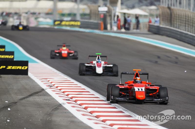 Jack Aitken, Arden International leads Nyck De Vries, ART Grand Prix