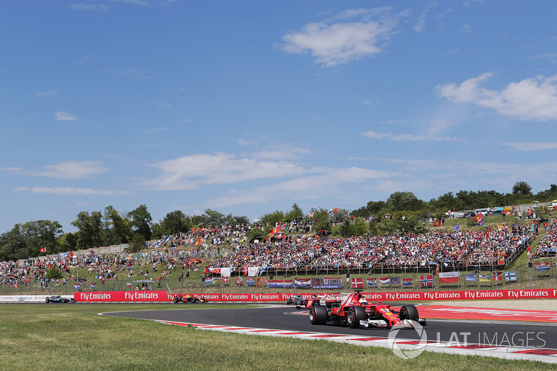 Sebastian Vettel, Ferrari SF70H, Kimi Raikkonen, Ferrari SF70H, Valtteri Bottas, Mercedes AMG F1 W08 y Max Verstappen, Red Bull Racing RB13