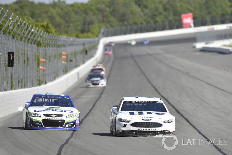 Brad Keselowski, Team Penske Ford, Ty Dillon, Germain Racing Chevrolet