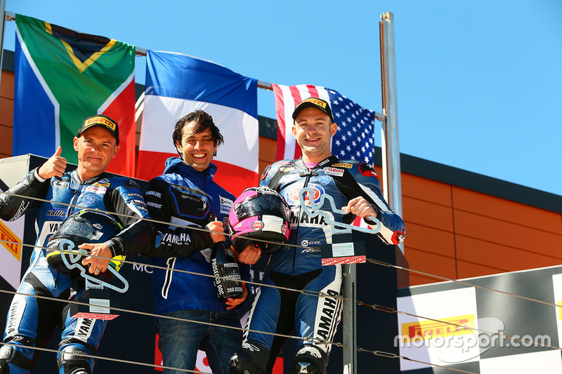 Podio: ganador de la carrera Lucas Mahias, GRT Yamaha Official WorldSSP Team, segundo lugar Sheridan Morais