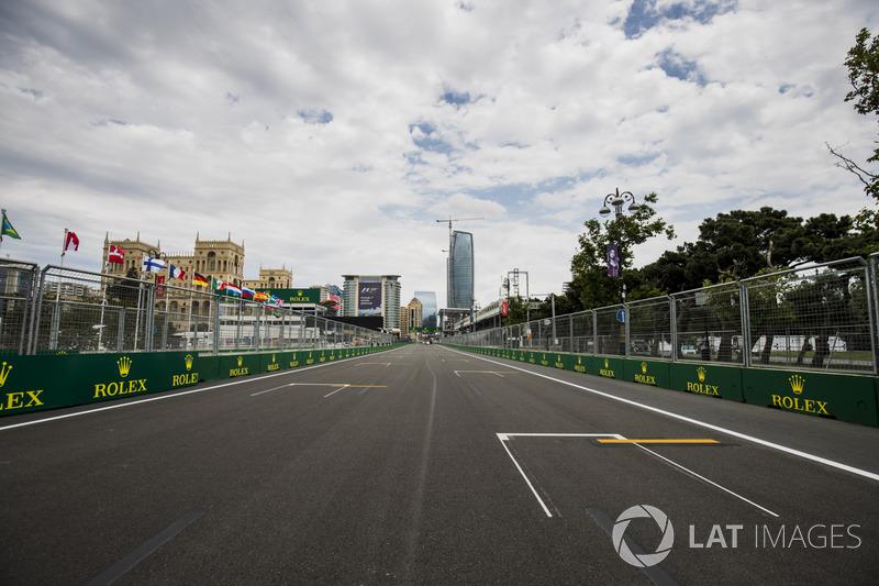 2.1 km es la longitud de la recta principal en Bakú. Esta es la más larga en el calendario de la Fórmula 1