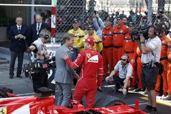 Race winner Sebastian Vettel, Ferrari talks and with Nico Rosberg, Mercedes-Benz Ambassador