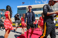 Daniel Ricciardo, Red Bull Racing and Lewis Hamilton, Mercedes AMG F1 on the drivers parade