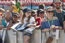Fans wait to meet the drivers