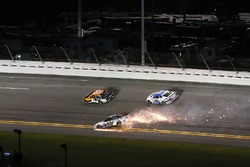 David Gilliland, RBR Enterprises Ford Fusion crashes