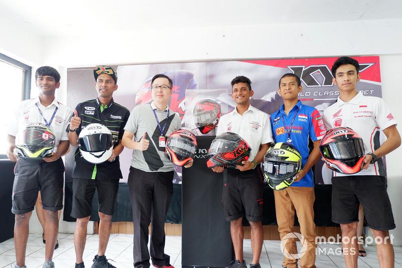 Peluncuran Helm KYT NX-Race Berstandar MotoGP
