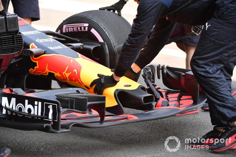 Red Bull Racing RB14, muso e ala anteriore