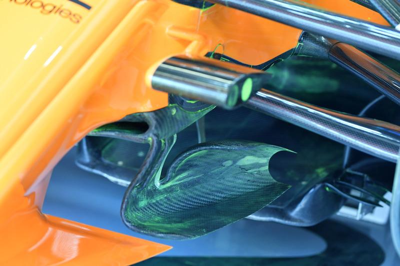 Suspension avant de la McLaren MCL33 avec peinture aérodynamique